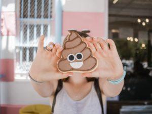 Es ist Welt-Emoji-Tag! In unseren Marketing 📰 der Woche geht es außerdem um Snap 💬 und Google 🔎 Anzeigen