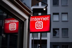 Was passiert eigentlich innerhalb einer Minute im Internet? Unsere News und Trends der Woche.